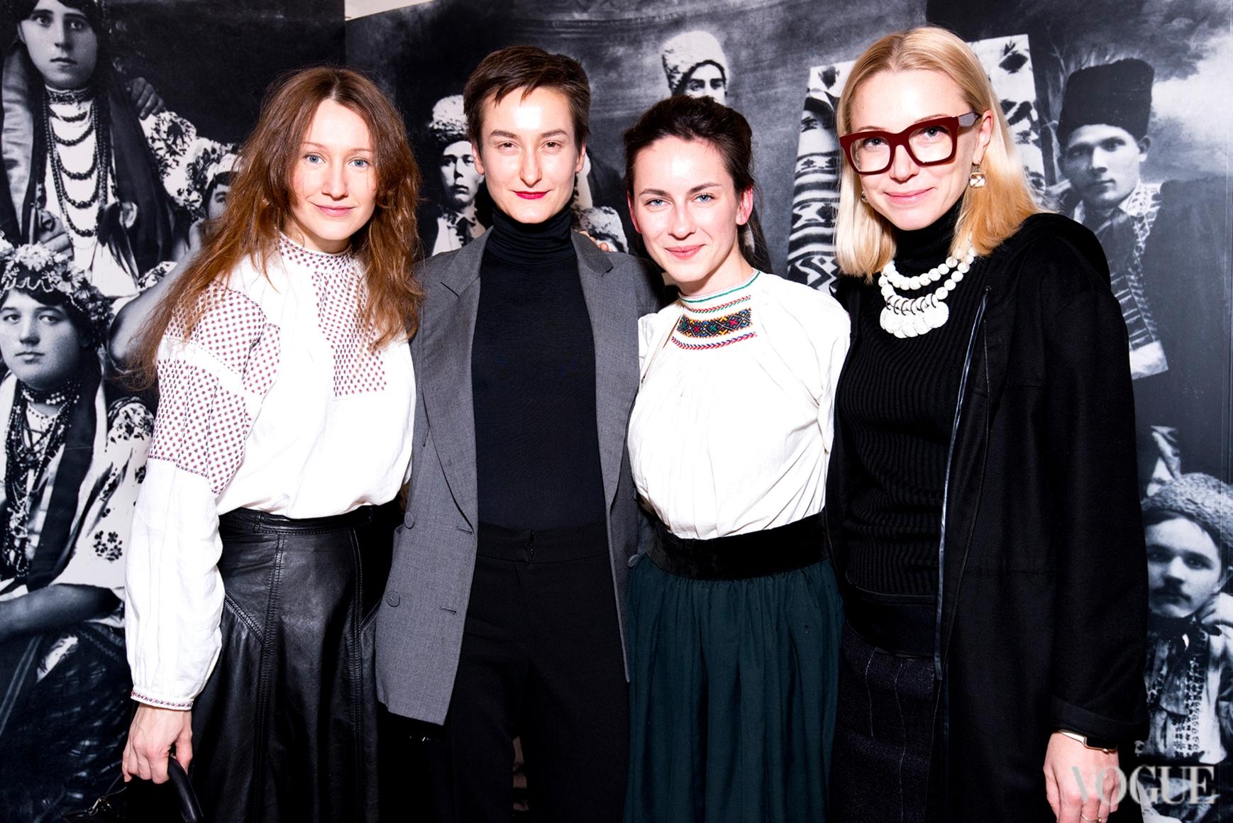 Василина Врублевская, Татьяна Соловей и Ира Каравай (справа)