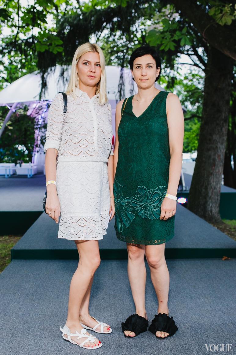 Евгения Григорьева (справа)