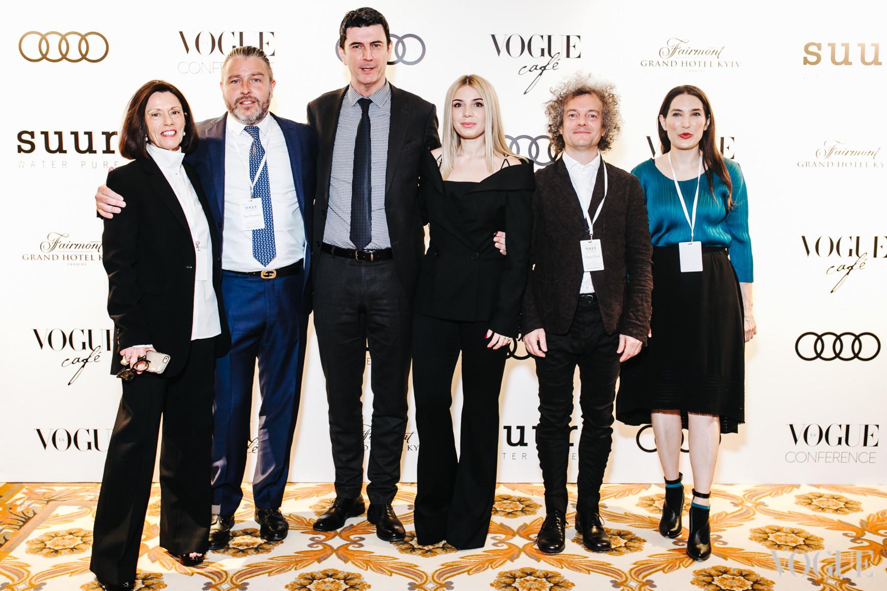 Лиззи Боуринг, Алекс Браунлесс, Стив Троу, Нина Левчук, Маттео Барди, Сара Козловски