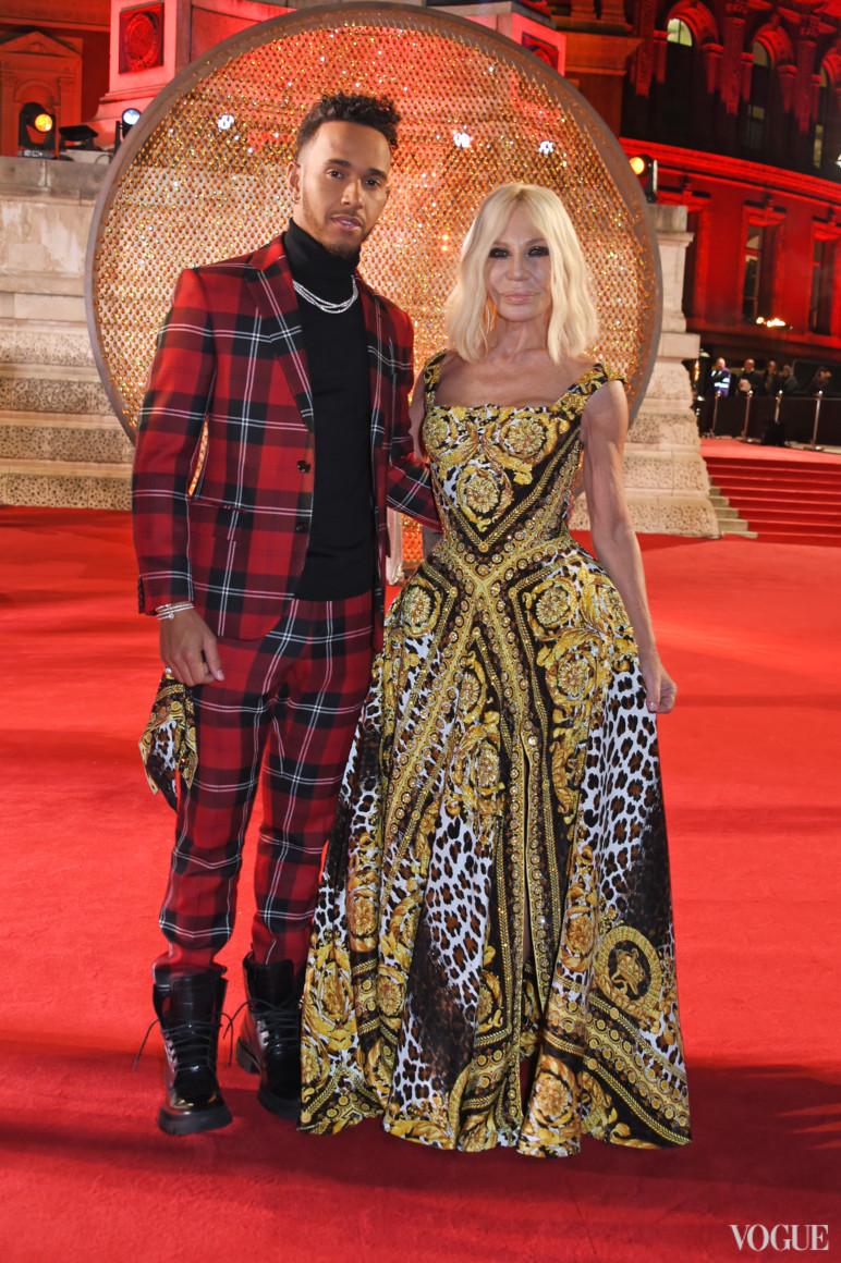 Льюис Гамильтон и Донателла Версаче в Versace