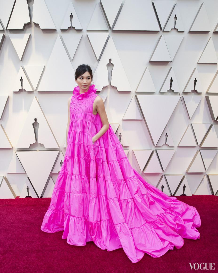 Джемма Чан в Valentino Couture