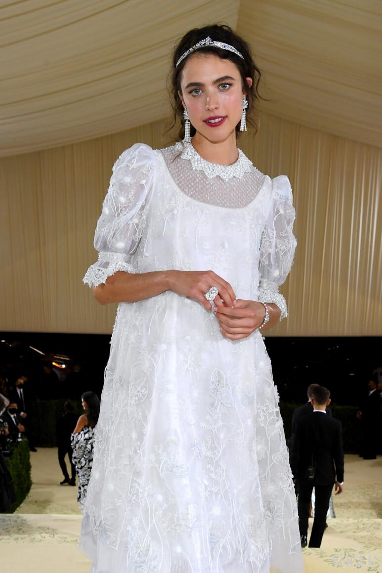 Маргарет Куолли в Chanel