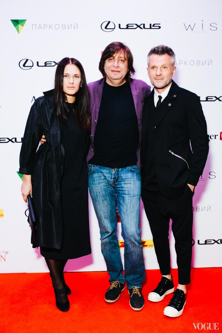 Виктор Анисимов (справа)