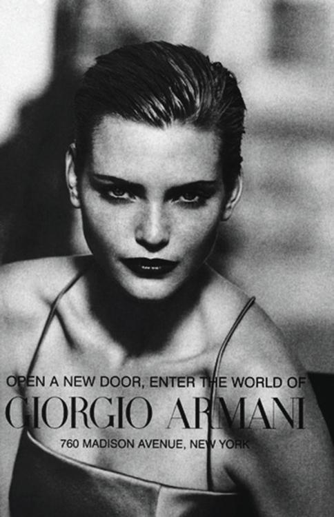 Надя Ауэрманн в рекламной кампании Giorgio Armani, осень-зима – 1996. Фотограф: Питер Линдберг