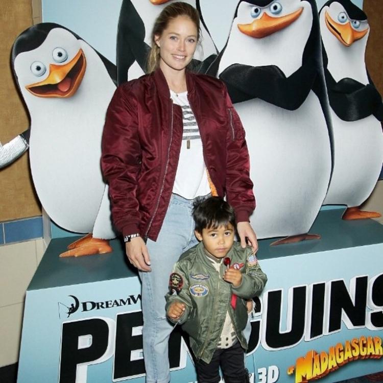 """Даутцен Крез с сыном Филленом на показе мультфильма """"Пингвины Мадагаскара"""""""