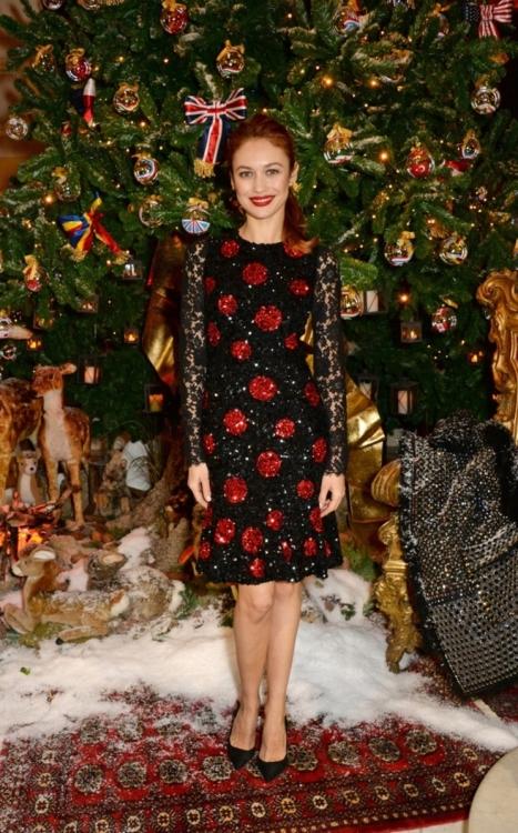 Ольга на открытии рождественской елки Dolce&Gabbana в лондонском отеле Claridge's