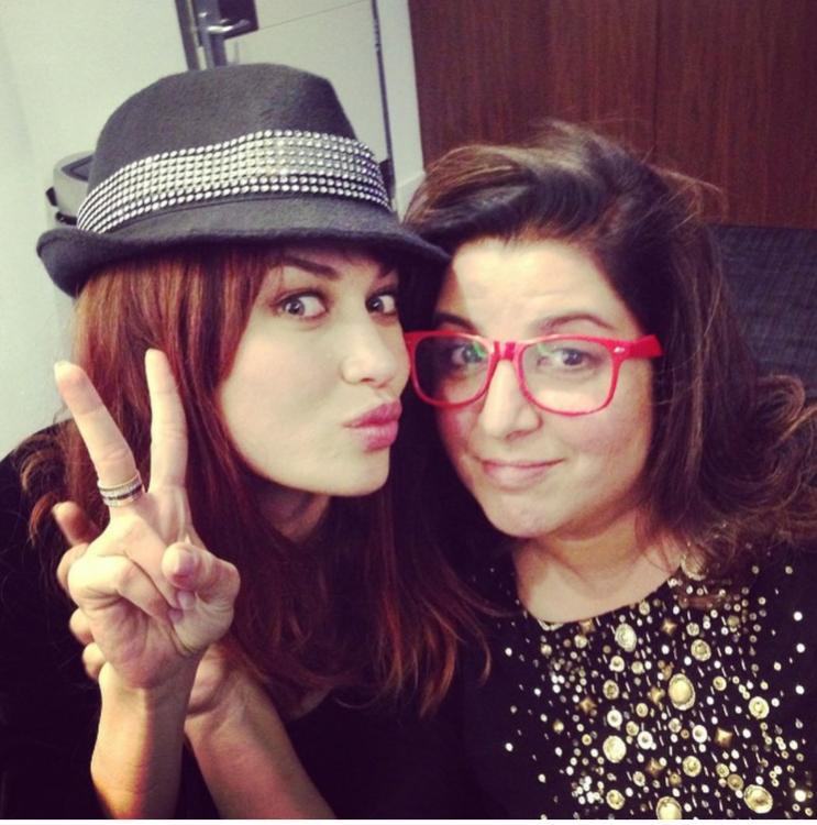 С режиссером и продюсером Фарой Кхан, фото из официального инстаграм актрисы