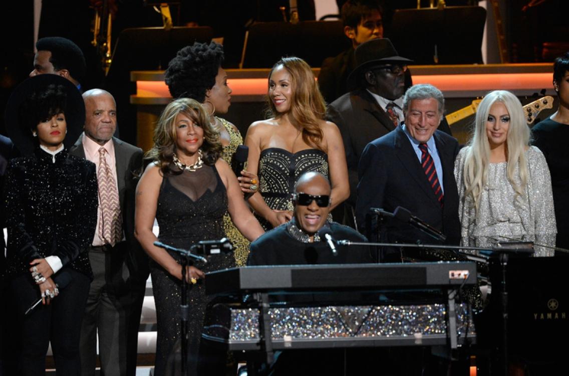 Завершающая часть концерта Стиви Уандера