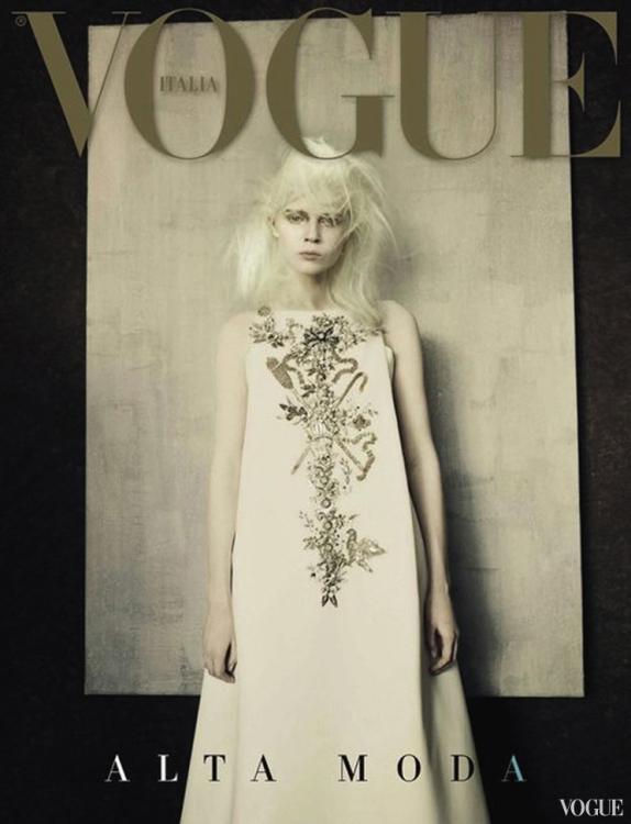 Обложка итальянского Vogue, приложение Alta Moda, сентябрь 2014. Фотограф: Паоло Роверси