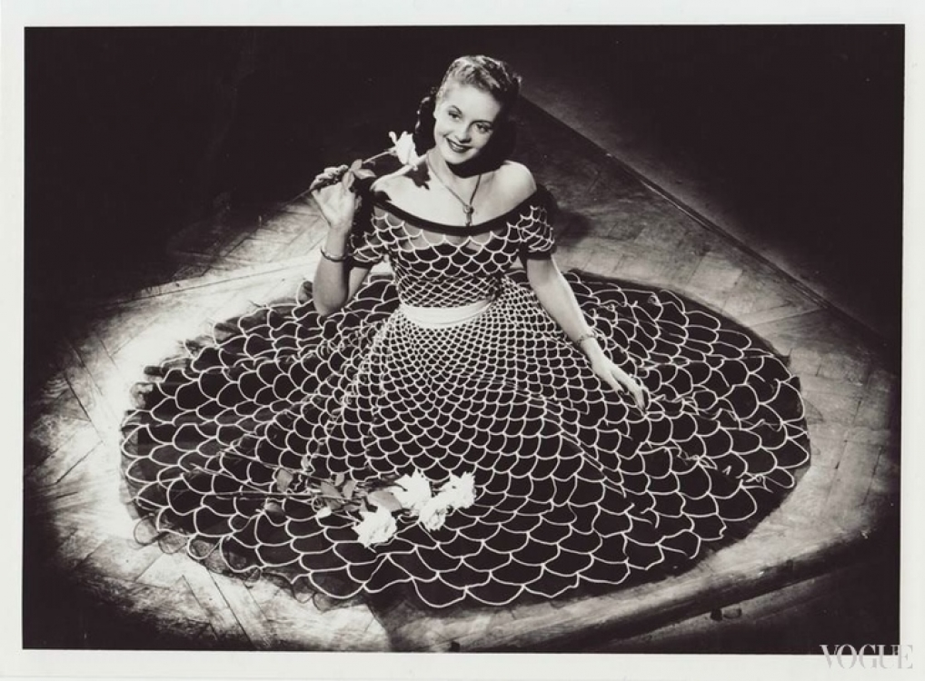 Жизель Паскаль в Carven, 1952