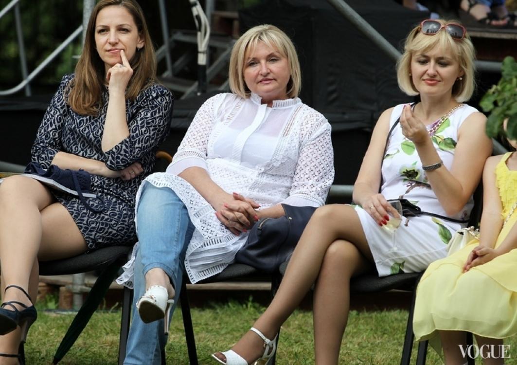 Ирина Луценко (посередине)