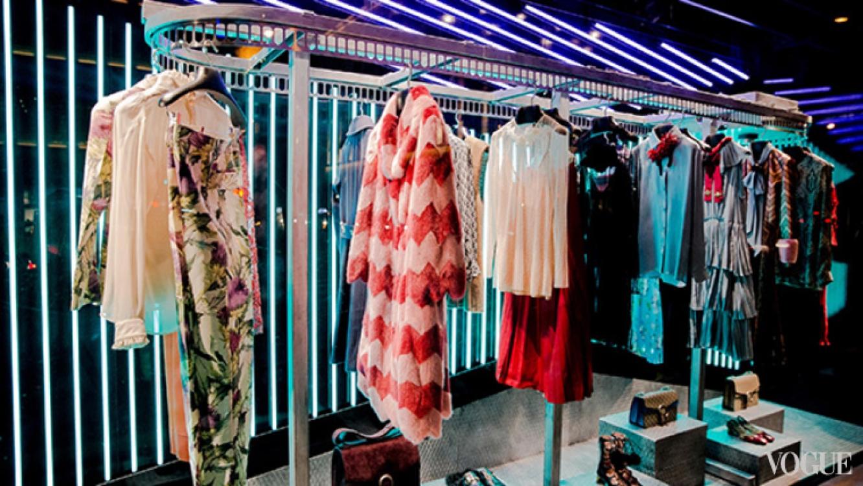 Новый магазин модной одежды