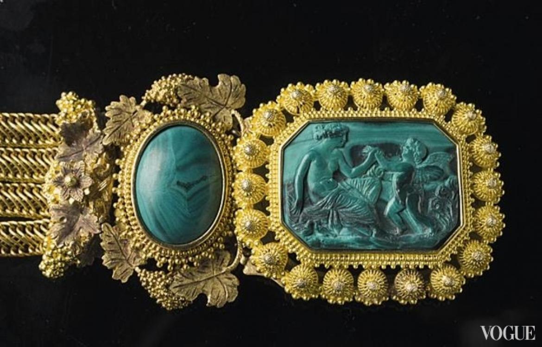 Гарнитур из золота и малахита, принадлежавший королеве Швеции и Норвегии Софии, 1820-1830. Выставка «1000 ювелирных изделий»