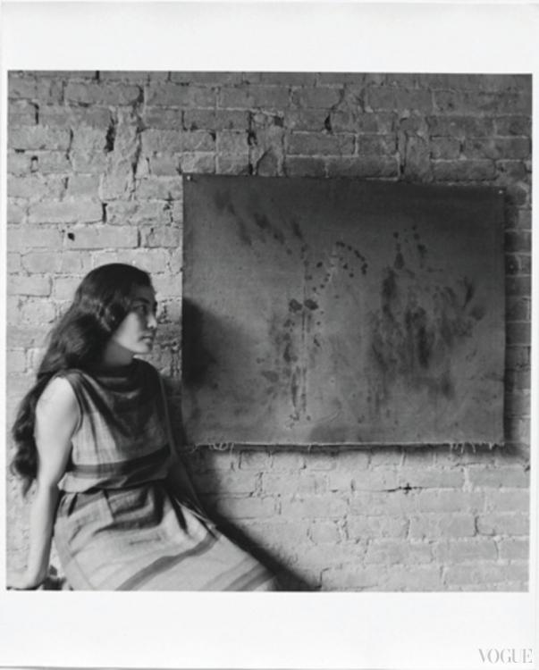 На своей первой персональной выставке в Нью-Йорке, с работой Painting to See in the Dark (Version 1), 1961