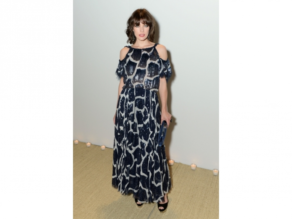 Мила Йовович в Chanel Haute Couture Spring 2012