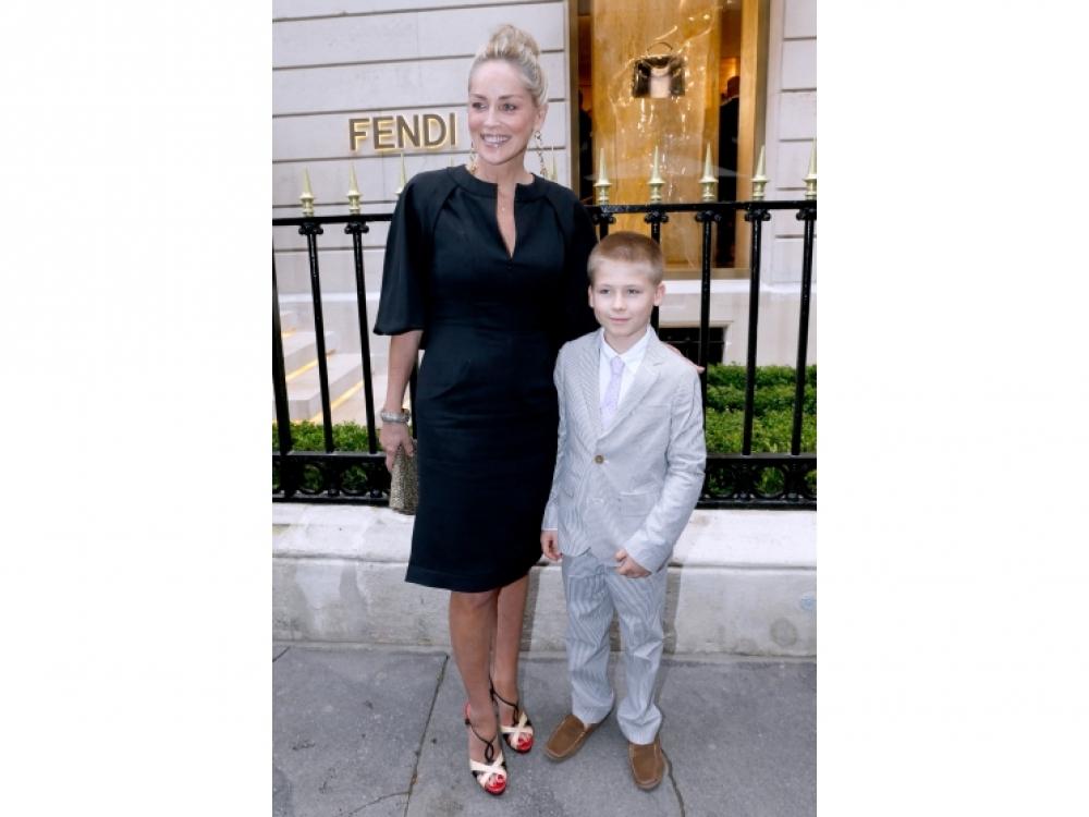 Шарон Стоун с сыном Роаном