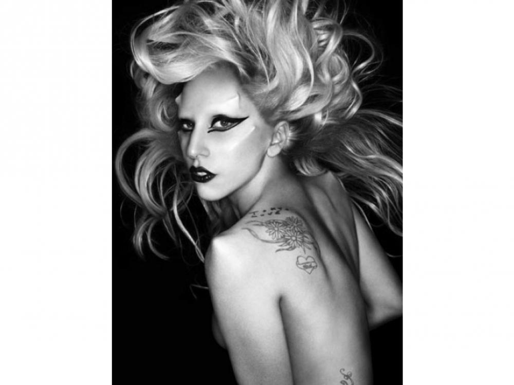 Сотрудничество с Леди Гагой для ее альбома Born this Way, июнь 2011