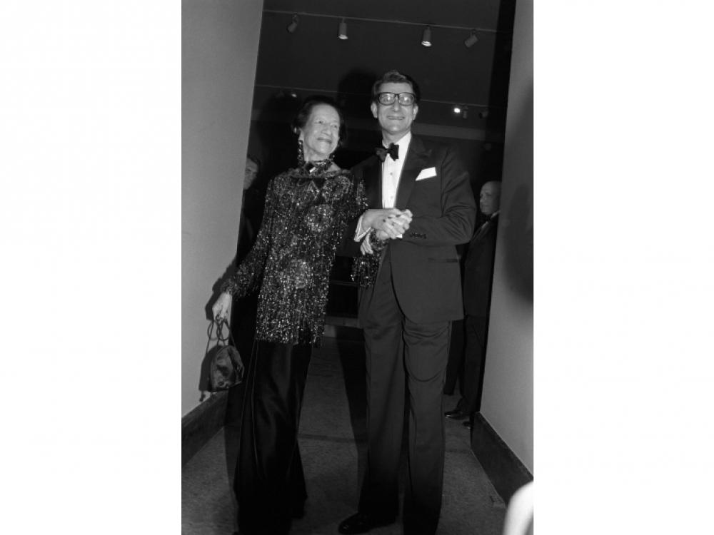 """На открытии выставки в 1983 году с Дианой Вриланд, которая как-то сказала: """"Chanel и Dior – титаны, а Yves Saint Laurent – гений"""""""