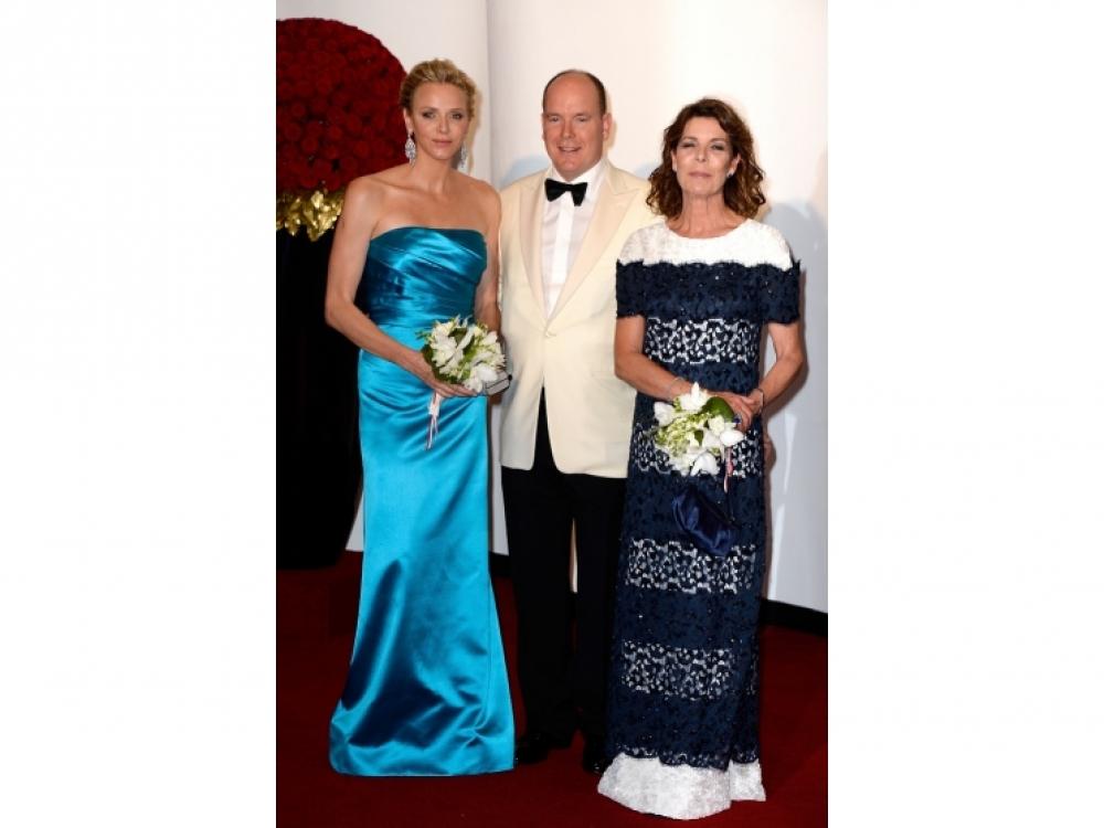 Княгиня Шарлен, князь Албер и принцесса Каролина