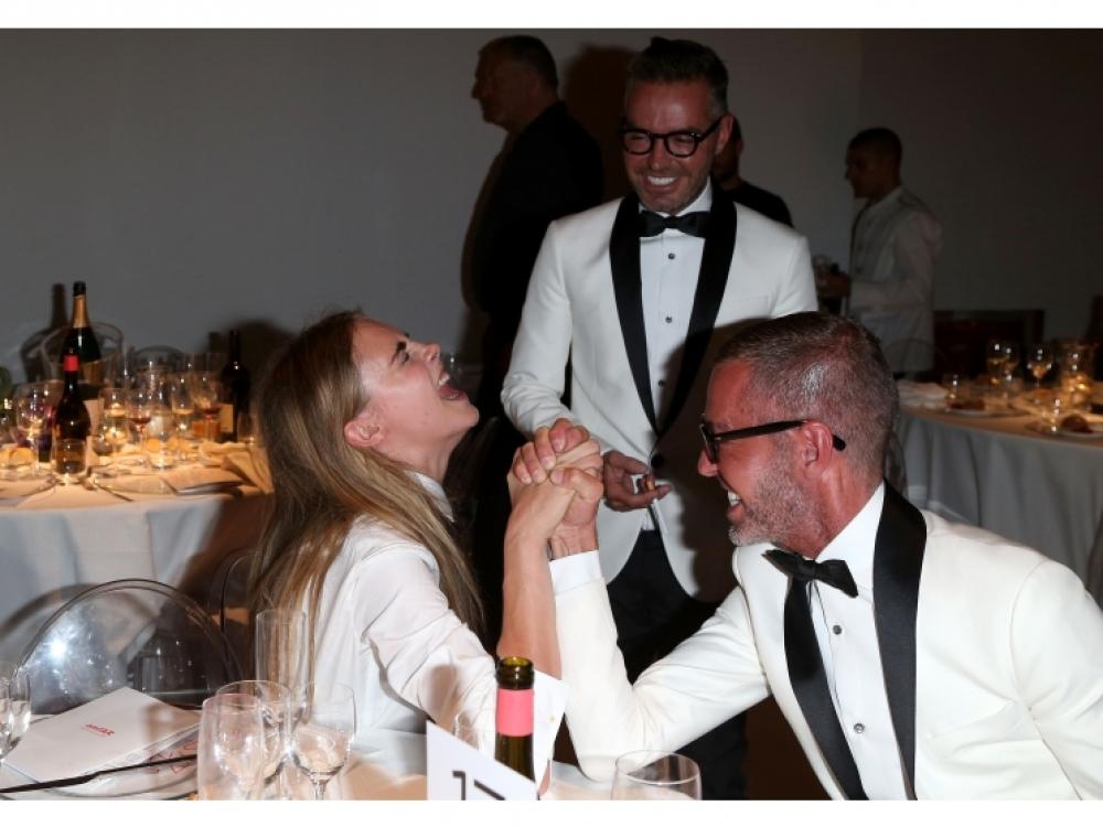 С Дином и Дэном Кейтенами во время благотворительного вечера amfAR Milano 2012