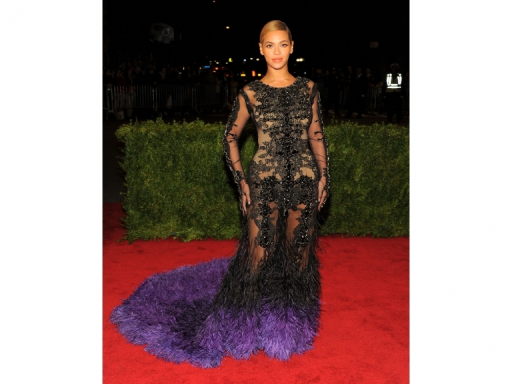 2013 год: в платье Givenchy на балу Института костюма