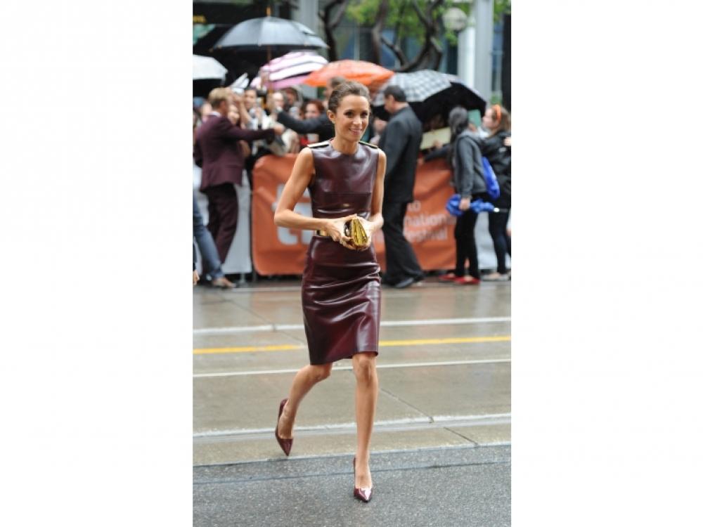 Джейд Оливия в платье Burberry Prorsum