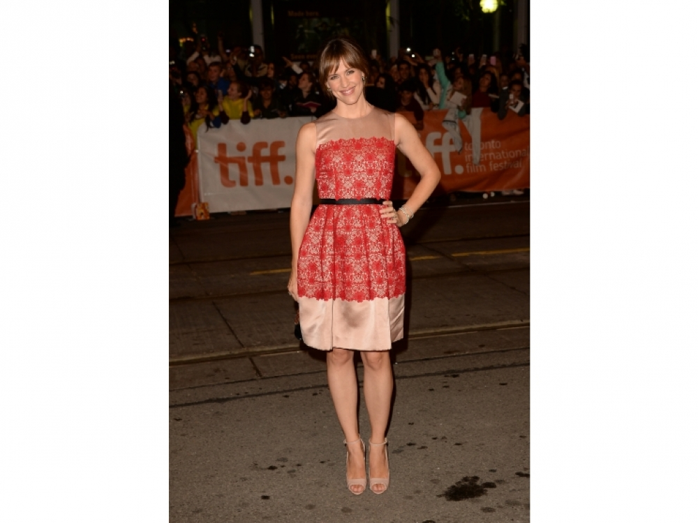 Дженнифер Гарнер в платье Dolce & Gabbana
