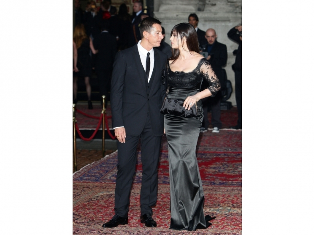 Моника и Стефано на праздновании 20-летия линии мужской одежды Dolce & Gabbana, Милан, 2010 год