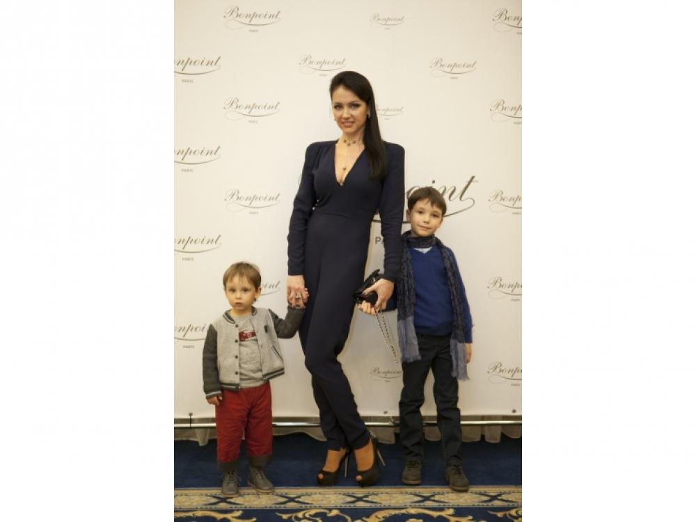 Евгения Миронова с синовьями