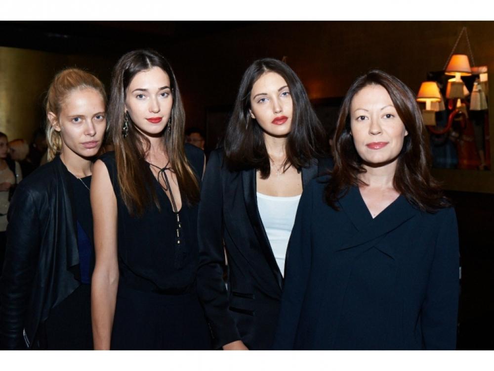 Ирина Тимофеева с моделями