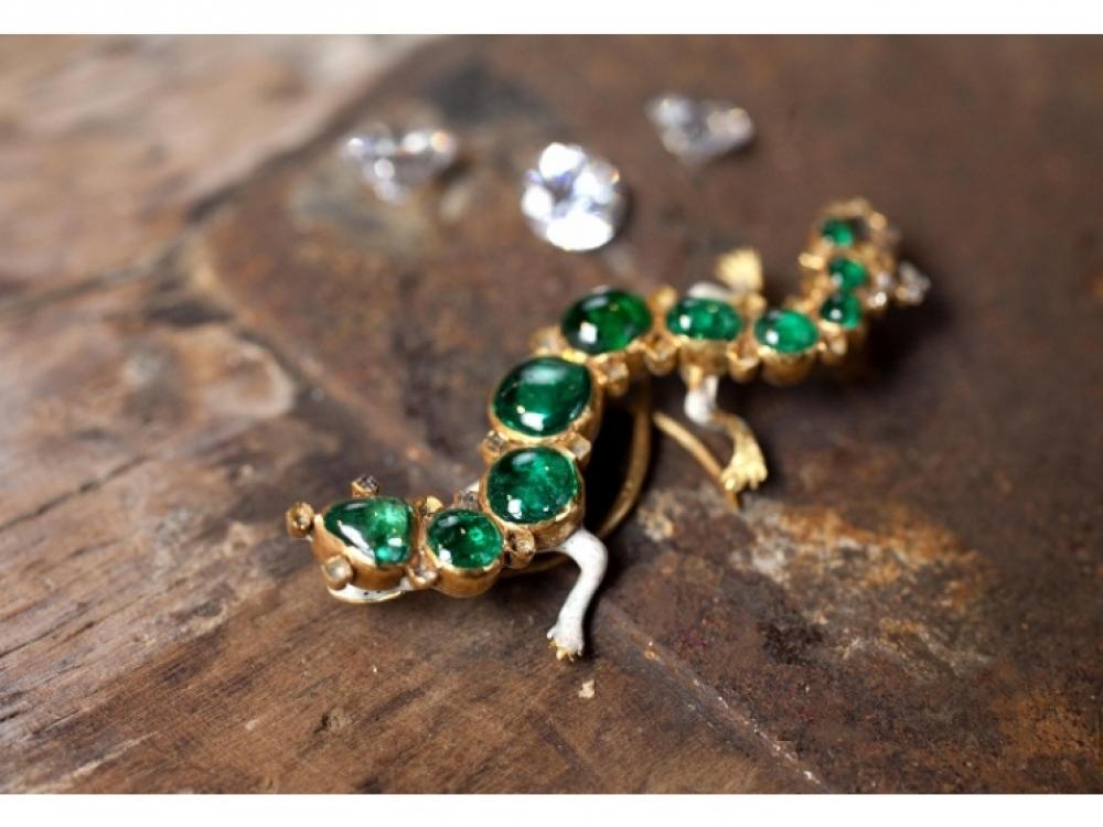 Брошь в форме саламандры, колумбийские изумруды, бриллианты, эмаль