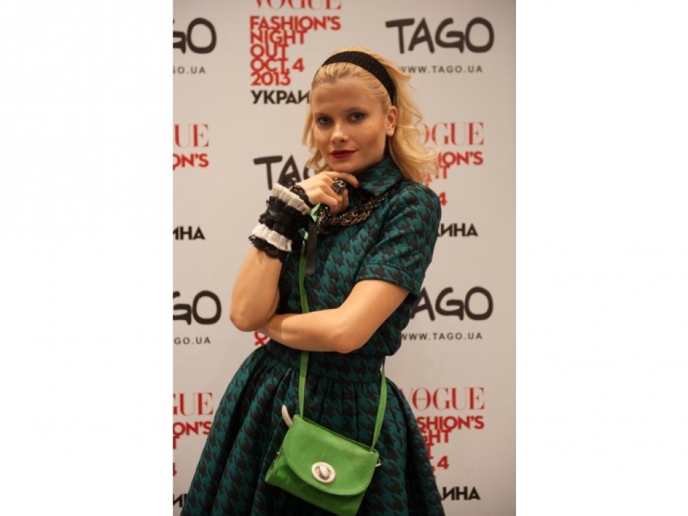 Дарья Коломиец в образе Катрин Денев