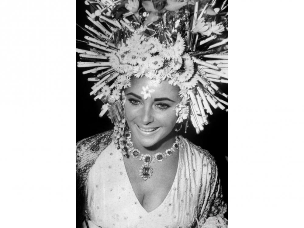 Элизабет Тейлор в украшениях Bvlgari, 1967