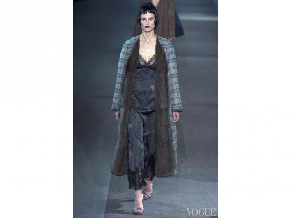 Louis Vuitton|Глубокое декольте Louis Vuitton