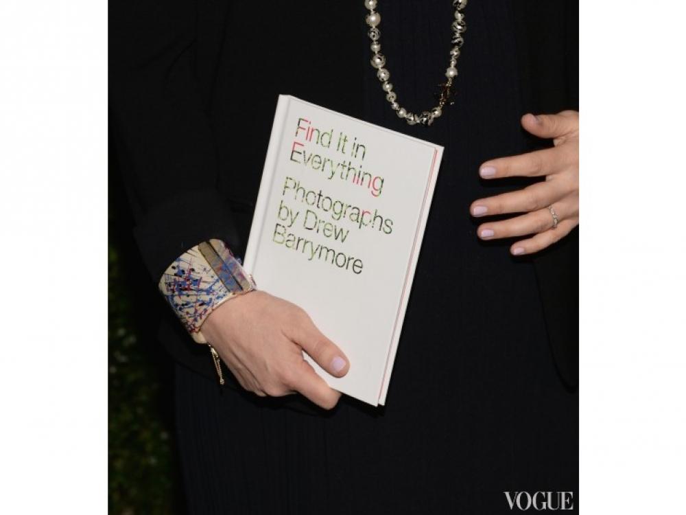 Вот так выглядит книга Дрю Бэрримор