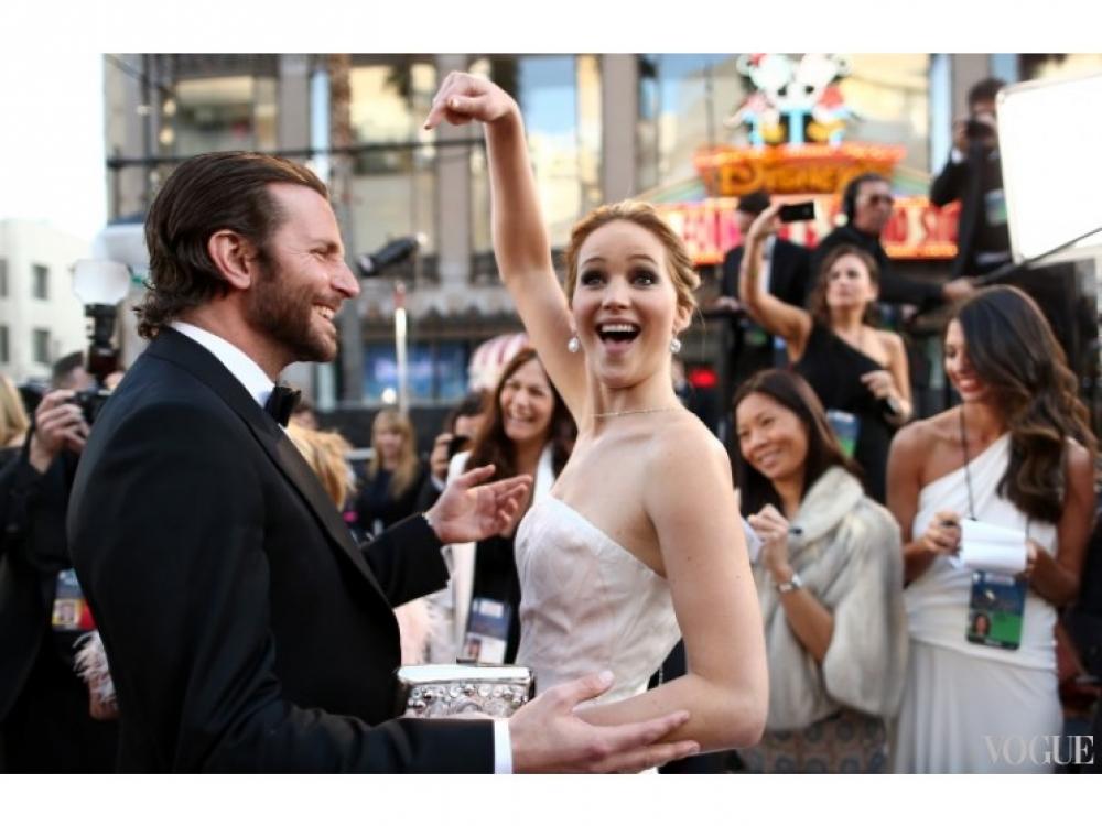 """Дженнифер Лоуренс и Брэдли Купер на премьере фильма """"Мой парень-псих"""", 2012 год"""