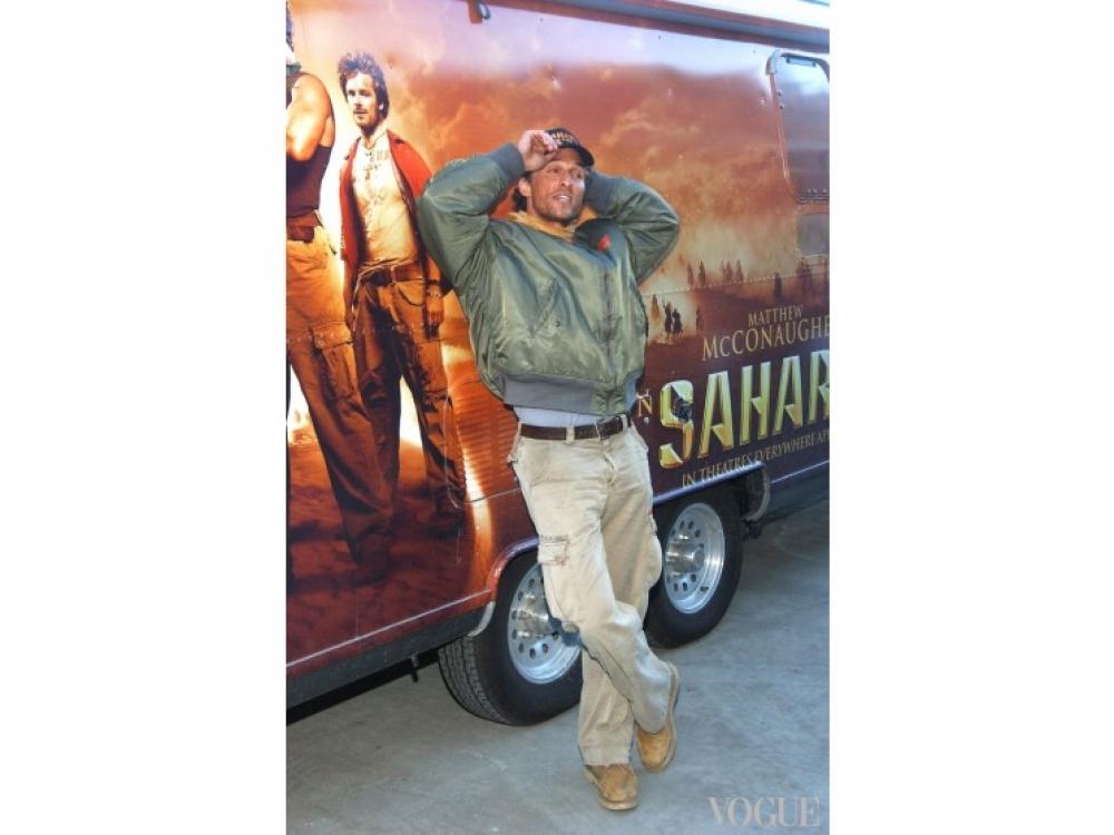 """Во время рекламной компании фильма """"Сахара"""" МаКонахи путешествовал по Штатам на трейлере"""
