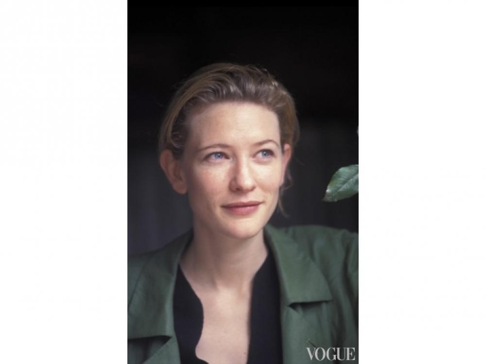 Кейт Бланшетт на открытии театрального сезона в одном из сиднейских театров (1999 год)