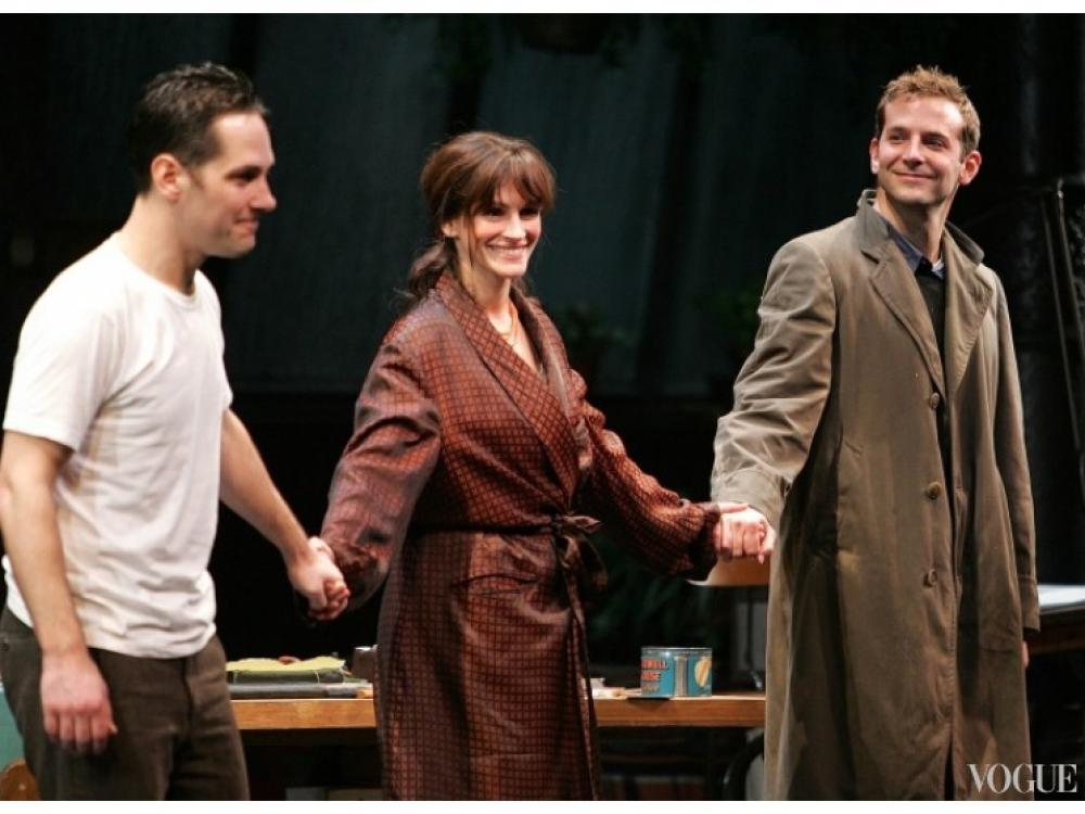 """Джулия Робертс и Брэдли Купер на премьере спектакля """"Три дня дождя"""" (2006)"""