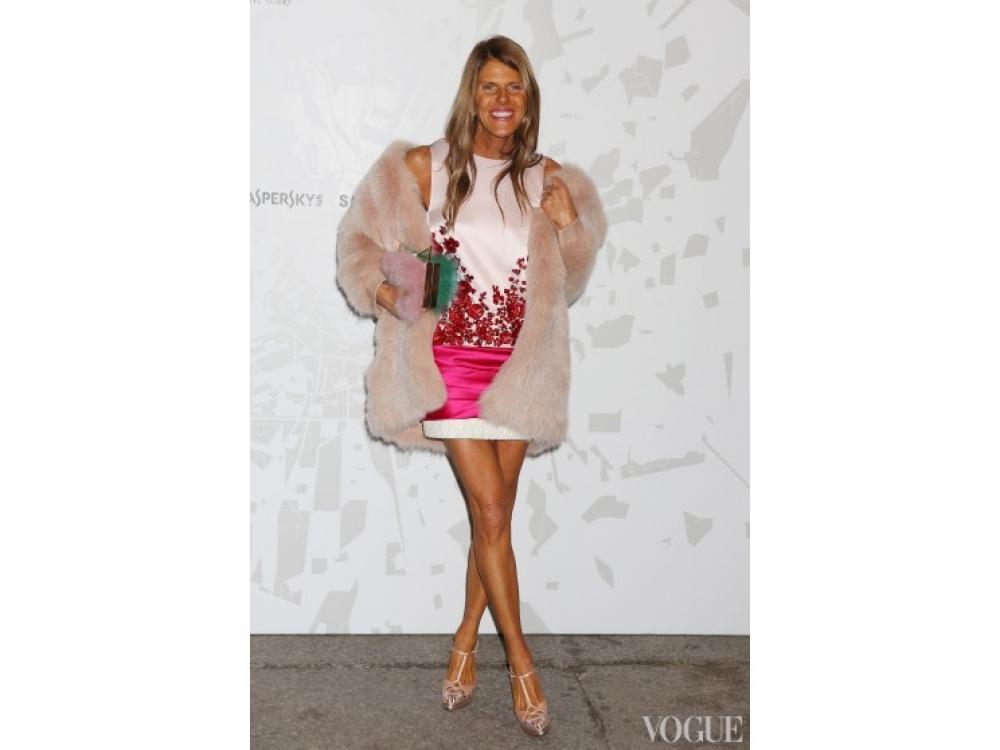 в платье Giambattista Valli Couture