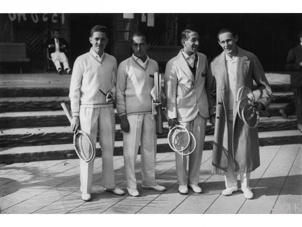 Рене Лакост (второй справа)