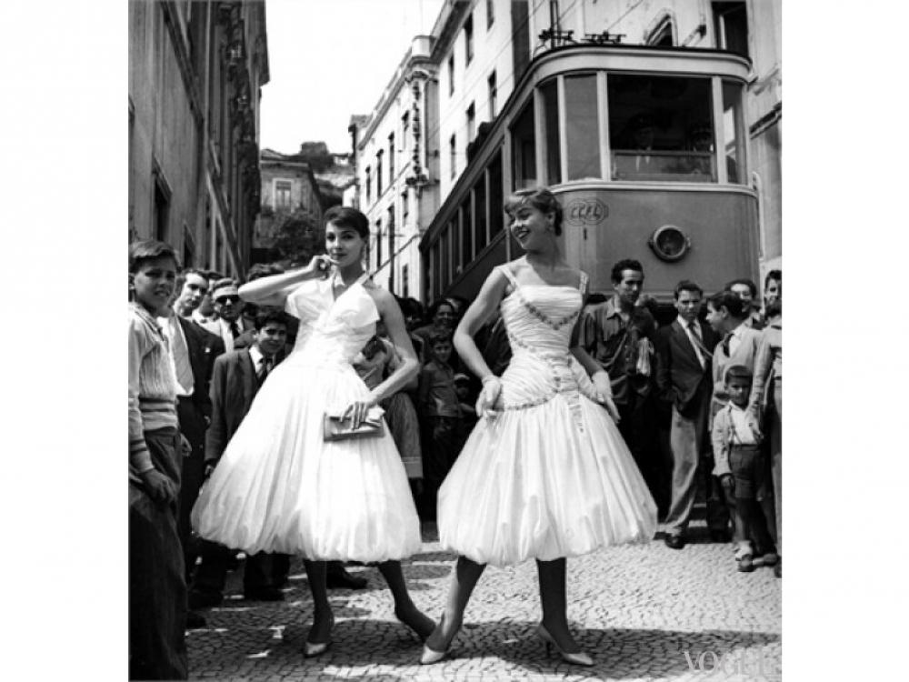 Модели в платьях Jole Veneziani, 1956