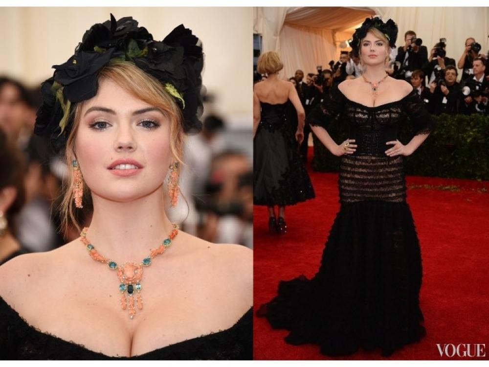 Кейт Аптон в украшениях Dolce & Gabbana