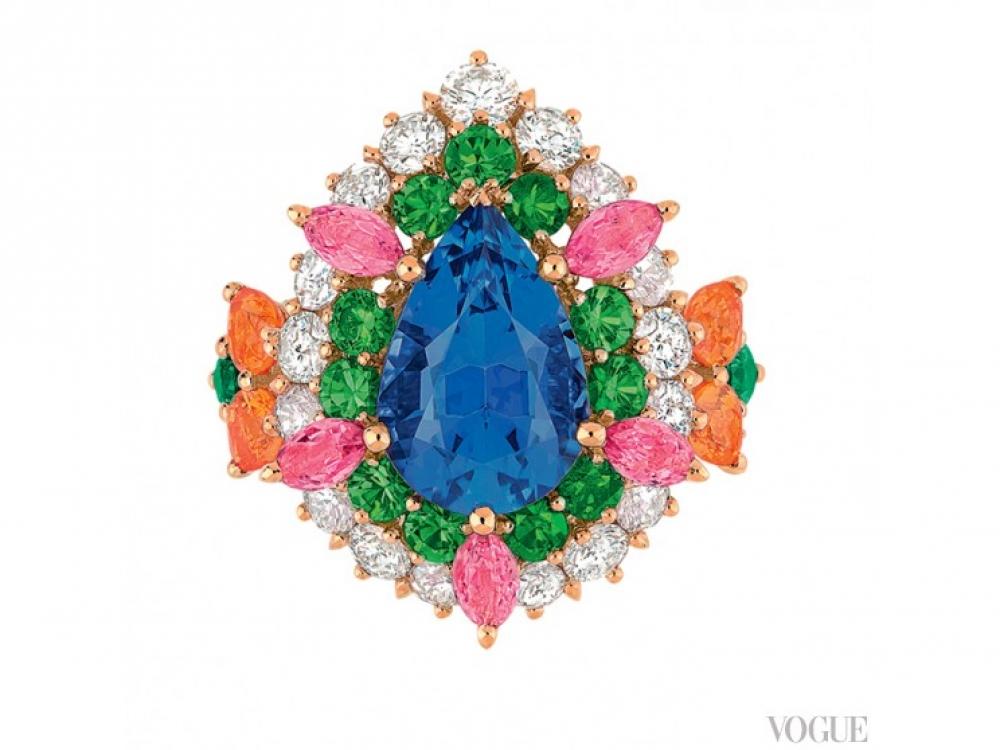 Кольцо?Cher Dior, желтое золото, танзанит, бриллианты, розовые сапфиры, спессартины, демантоиды, изумруды, Dior Fine Jewellery