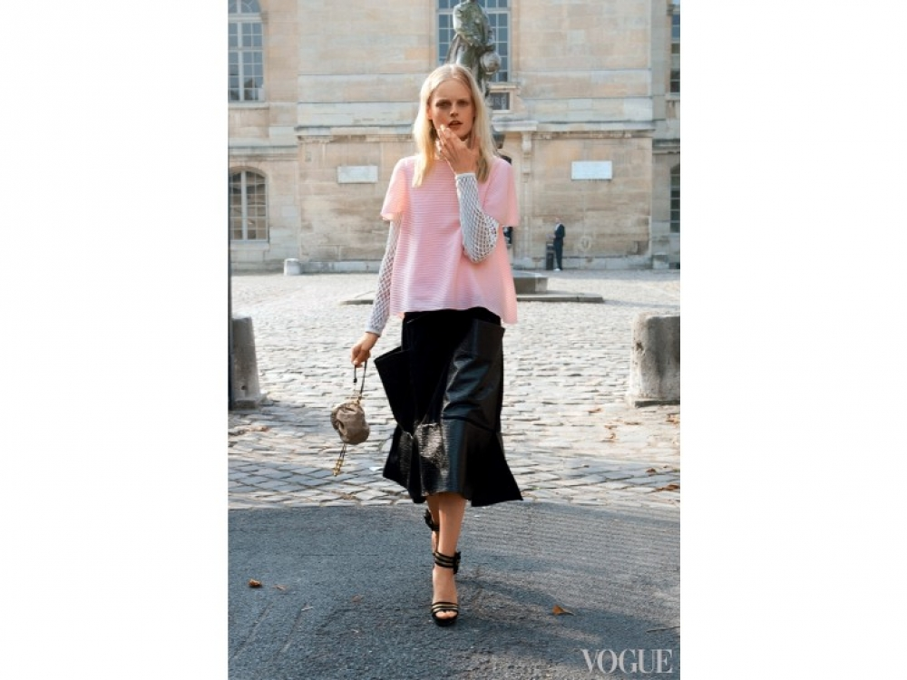 Модель Ханна Габи Одиель на Парижской неделе моды, 2014