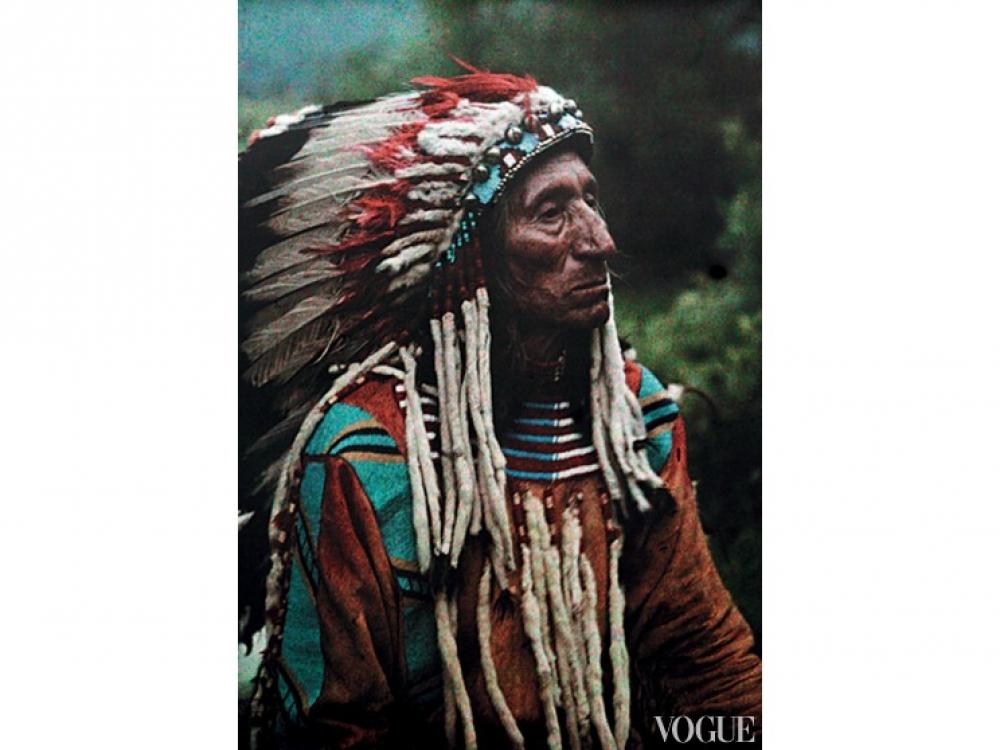Индеец племени Сиу в накидке денталиум