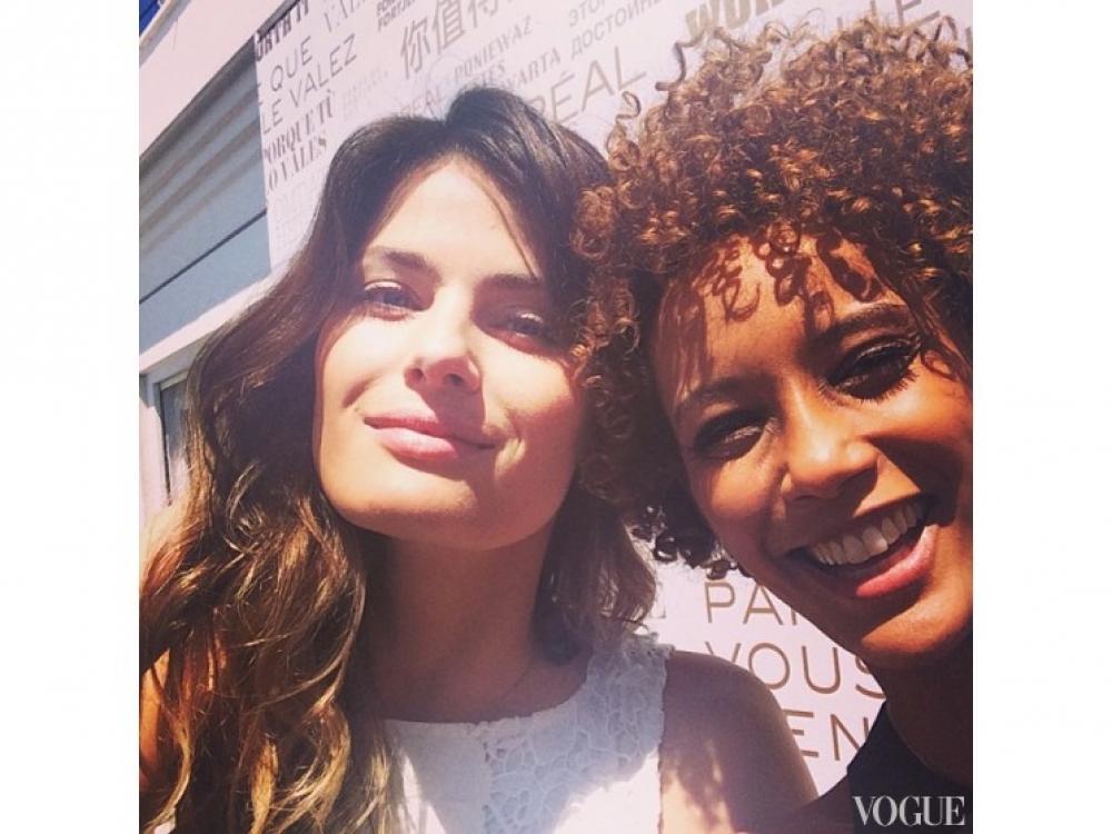 Изабели Фонтана и Таис Арауджо / @taisdeverdade