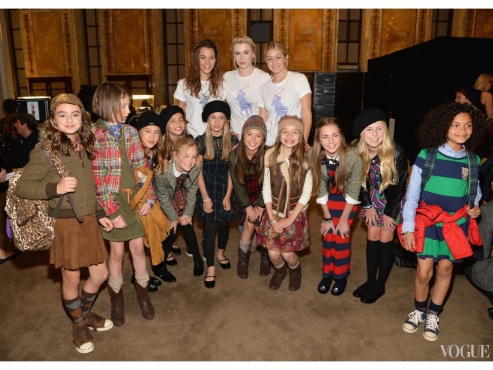 Айрленд Болдуин и Джиджи Хадид на показе детской коллекции Ralph Lauren осень-зима 2014/2015