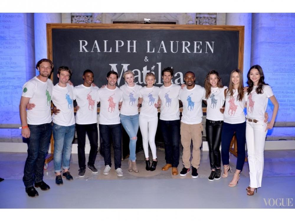 Айрленд Болдуин и Джиджи Хадиди (посередине) на показе детской коллекции Ralph Lauren осень-зима 2014/2015