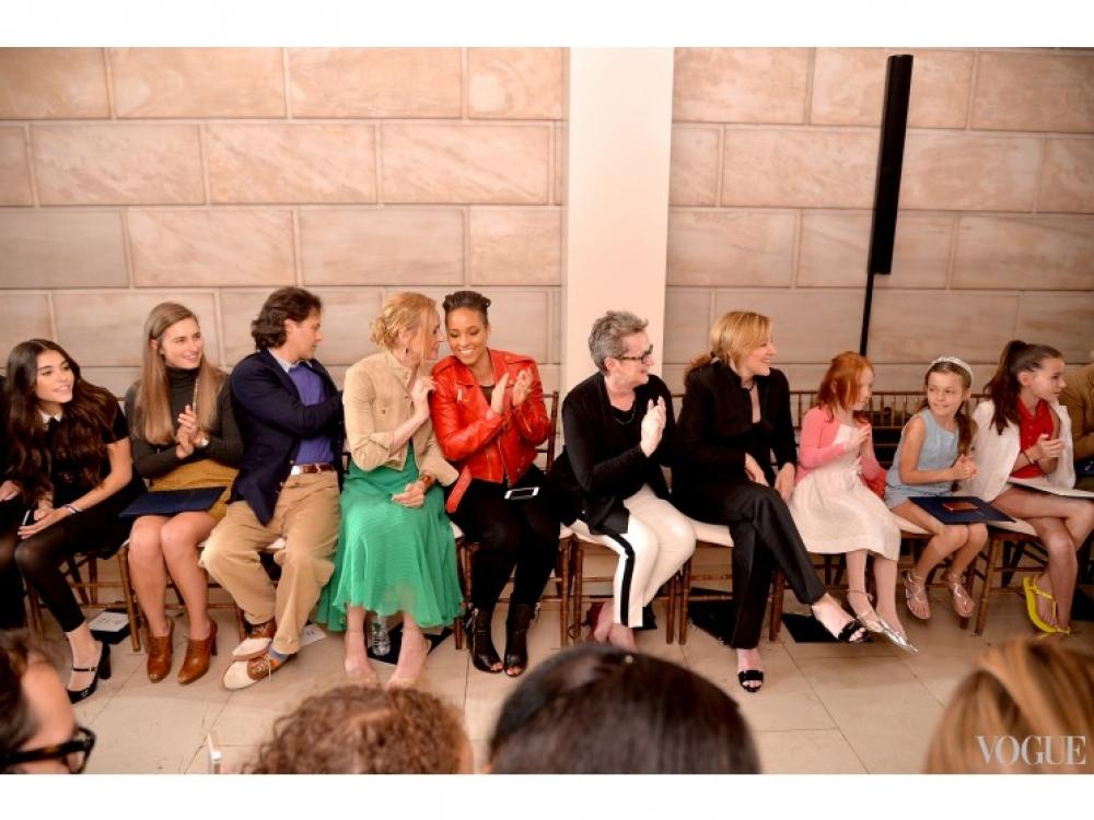 Ума Турман и Алиша Кис на показе детской коллекции Ralph Lauren осень-зима 2014/2015